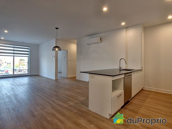 206-8968 rue Airlie, LaSalle for rent
