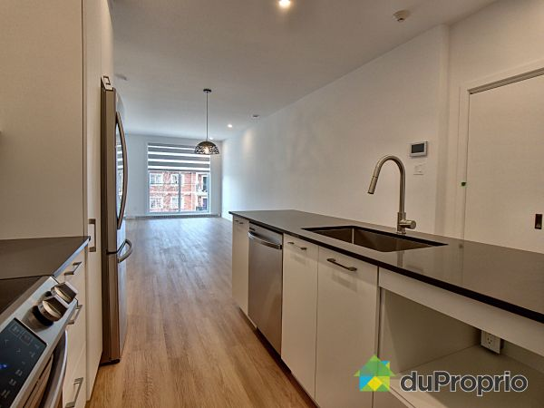 302-8968 rue Airlie, LaSalle for rent