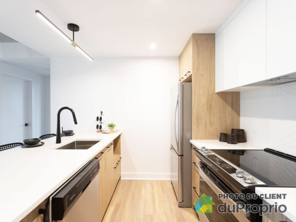 Le Market - unité 513, Chomedey for rent