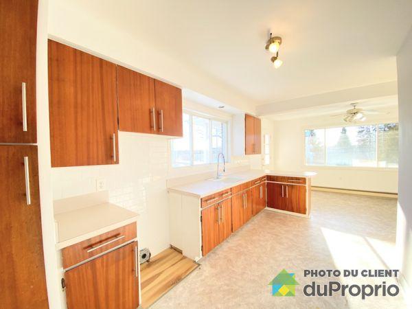 3201 7e avenue, Rawdon for rent