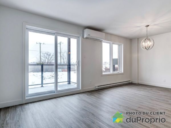 104-1186 rue Soucy, Longueuil (St-Hubert) for rent