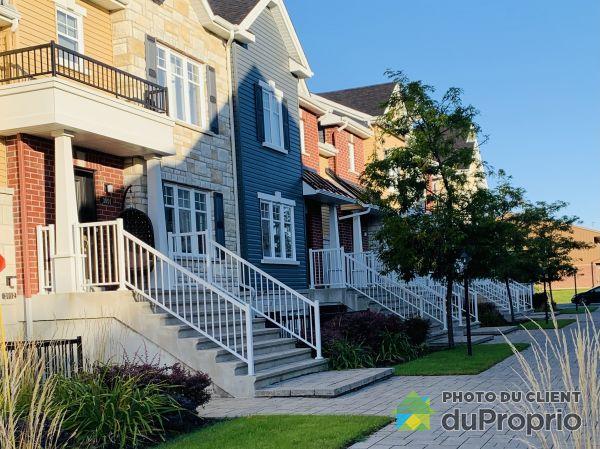 3090 rue Ste-Madeleine, Ste-Marthe-Sur-Le-Lac for rent