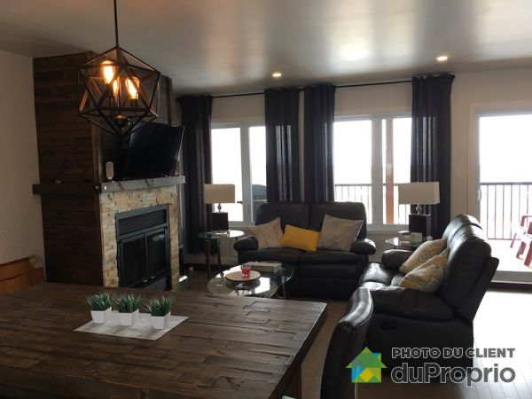 2026 avenue Royale, St-Ferréol-les-Neiges for rent