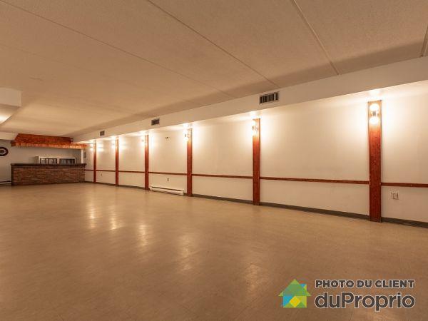 11905 rue Notre-Dame Est, Pointe-Aux-Trembles / Montréal-Est for rent