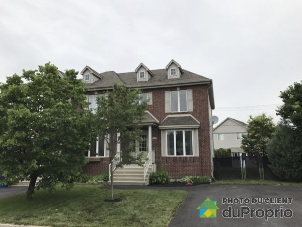 2874 rue de Villandry, Ste-Julie for rent
