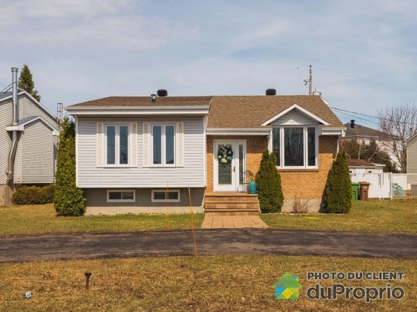 35 rue Beauvais, St-Constant for rent