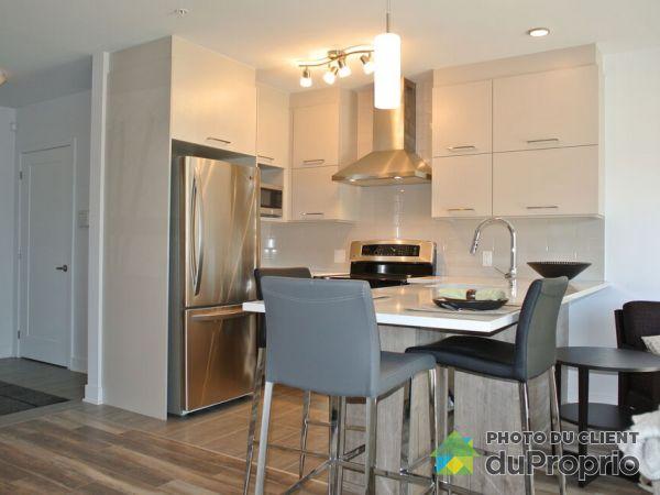 575 rue Robert-Élie, Laval-des-Rapides for rent
