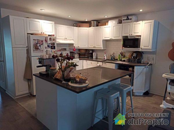 7827 rue Saint-Hubert, Villeray / St-Michel / Parc-Extension for rent
