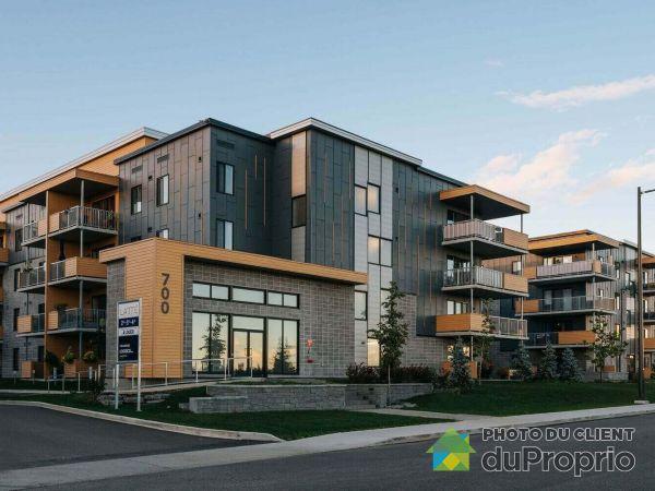 Apartment - 204-710 Rue d?Everell, Beauport for rent