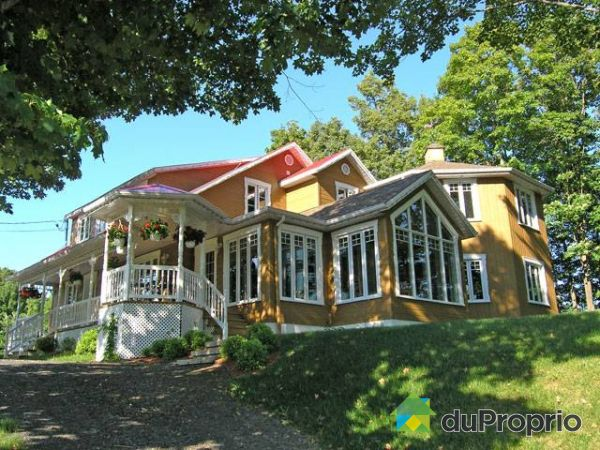 14 côte de la Chapelle, Baie-St-Paul for sale