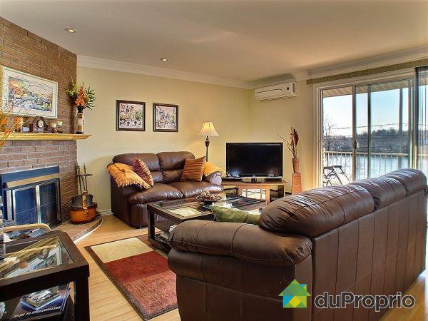 Living Room - 1560 rue 1ère, Richelieu for sale