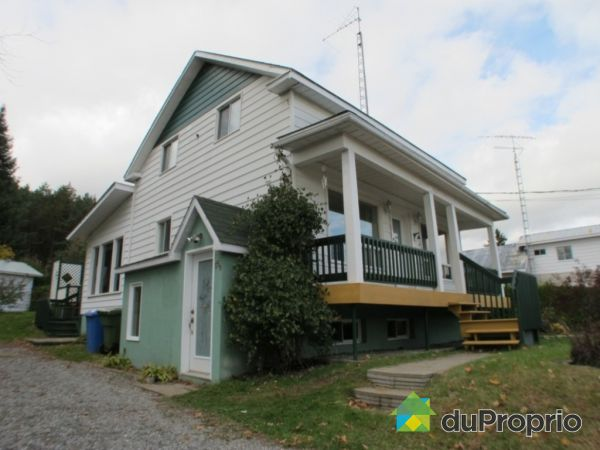15 rue Principale, St-André-Avellin for sale