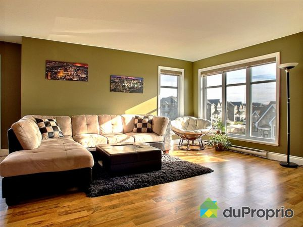 Living Room - 2504 rue de Bilbao, Neufchatel for sale