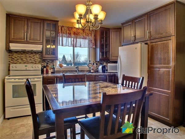 Eat-in Kitchen - 5-427 rue Thibodeau, St-Jean-sur-Richelieu (St-Jean-sur-Richelieu) for sale