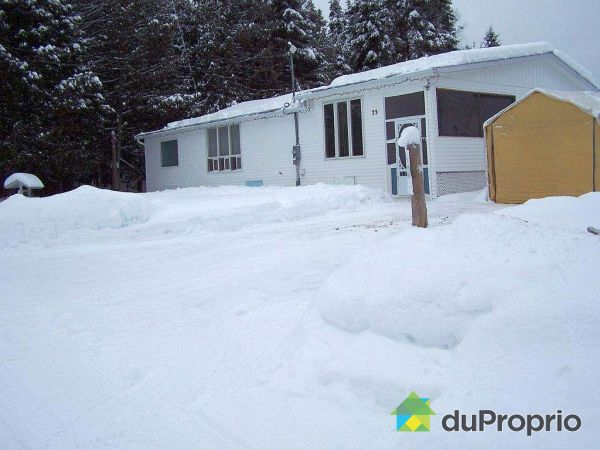 Winter Front - 23 chemin du Lac-Perreault, Gracefield for sale