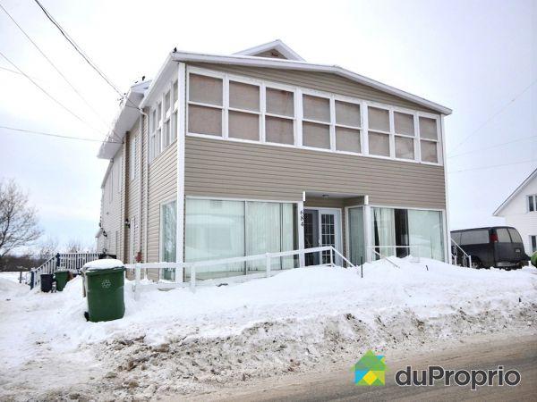 678-680-684, rue Saint-Charles, Portneuf à vendre