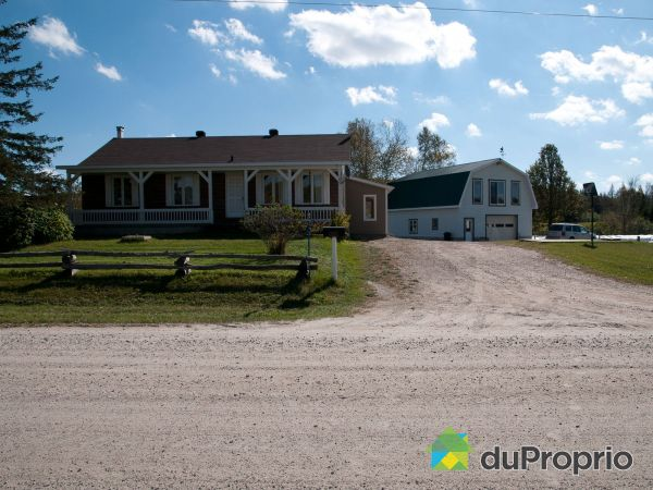 Summer Front - 109 chemin Grondin, Aumond for sale