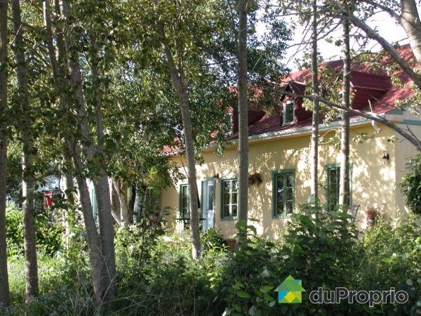 Backyard - 39 chemin du Moulin, L'Isle-aux-Coudres (St-Louis) for sale