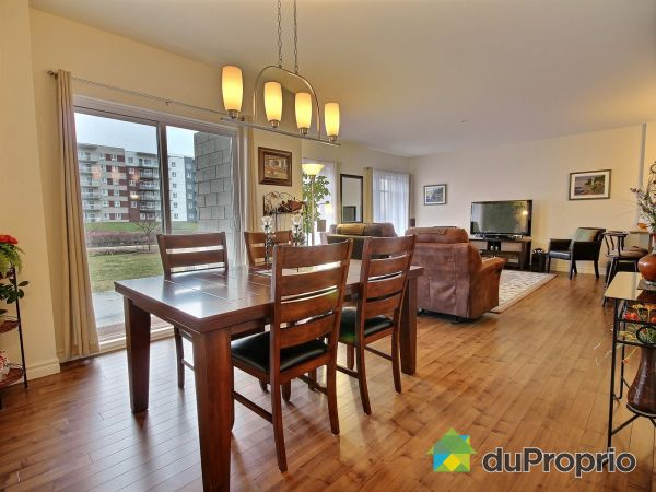 Dining Room / Living Room - 106E-2355 rue de Bogota, Lebourgneuf for sale