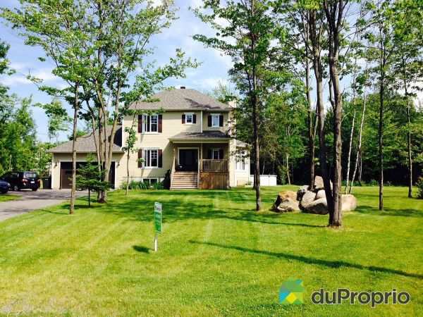 Summer Front - 9 105e Rue, Ste-Anne-Du-Sault for sale