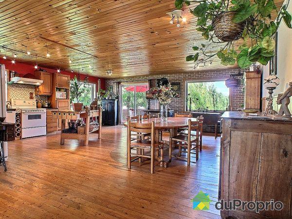 Eat-in Kitchen - 593 rue Principale, Ste-Anne-De-La-Perade for sale