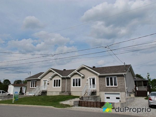 151-153, rue Gendron, Maniwaki for sale
