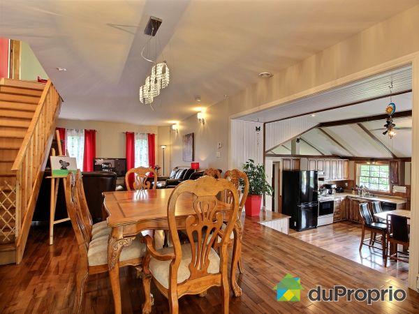 Eat-in Kitchen - 20-800 2e rang, Frampton for sale