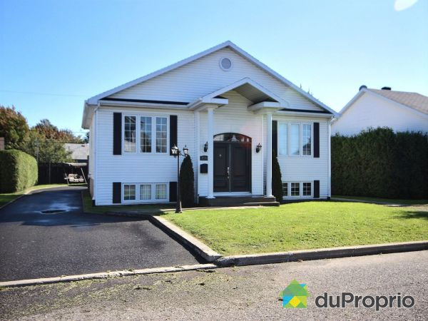 Summer Front - 2258 rue Joseph-Roberge, St-Romuald for sale