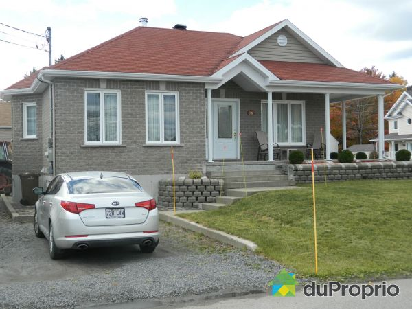 16 rue Nydia, Pont-Rouge for sale