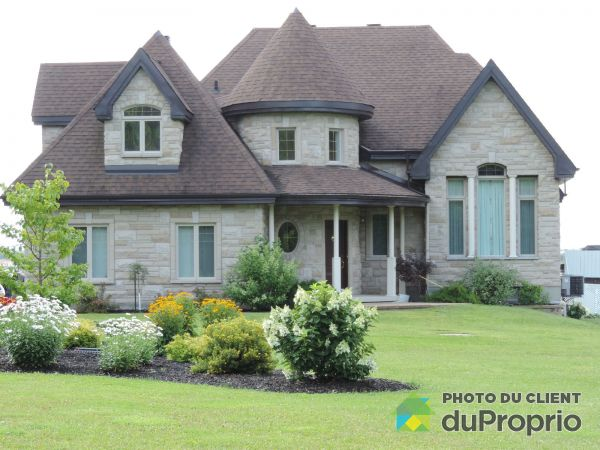 Summer Front - 3055 Route 148, Grenville-sur-la-Rouge for sale