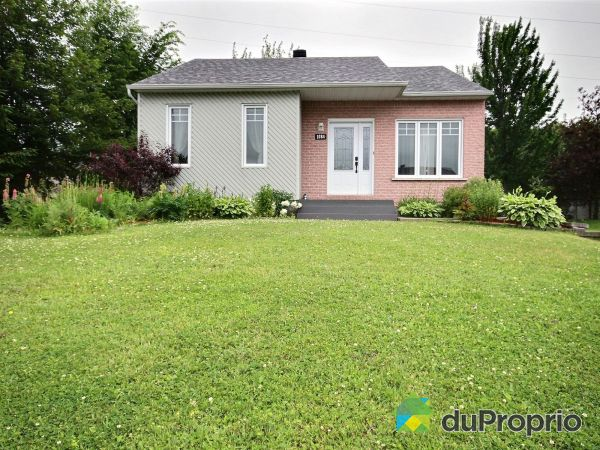 Landscaping - 1084 rue Alainbourg, St-Jean-Chrysostome for sale