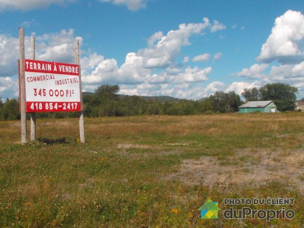 Entrepôt - 645, rue Commerciale Nord, Témiscouata-sur-le-Lac à vendre
