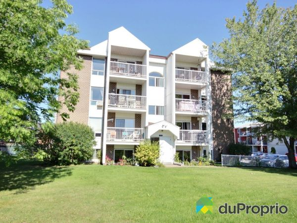 Buildings - 104-435 avenue Claude-Martin, Vanier for sale