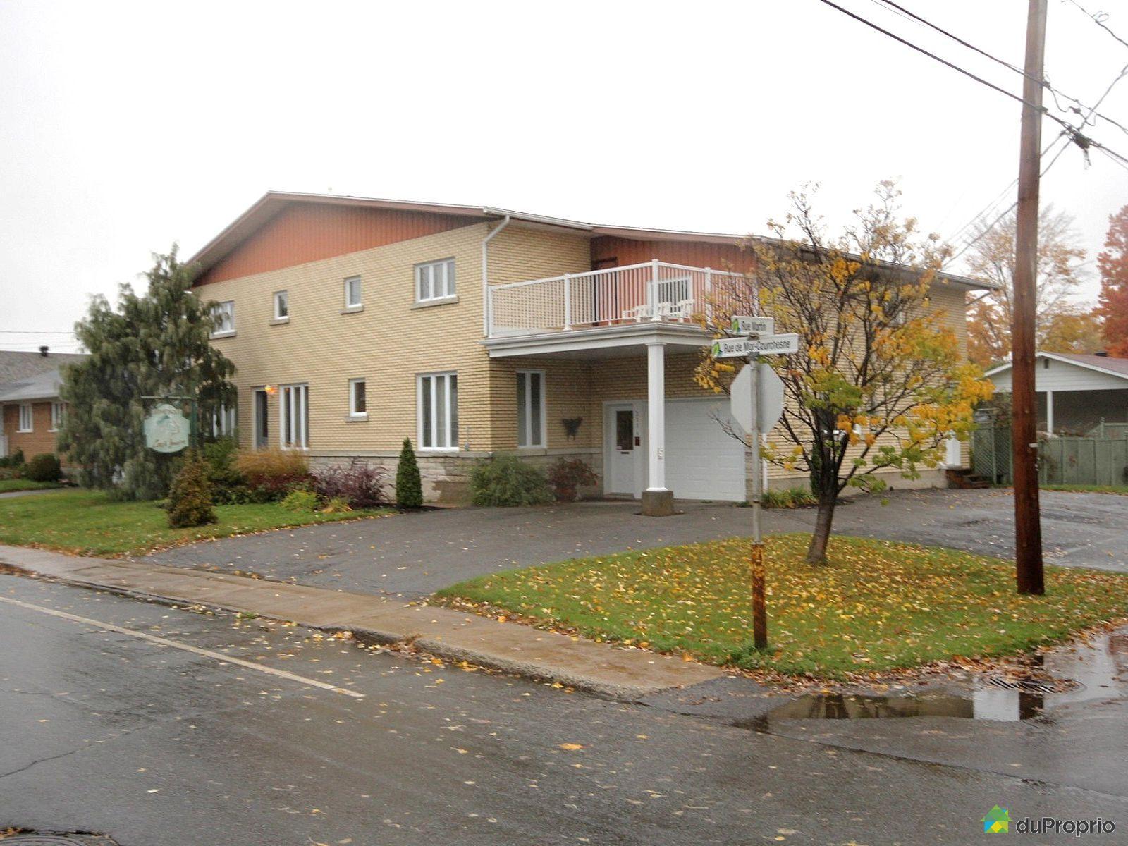 South Side - 311 rue de Monseigneur-Courchesne, Nicolet for sale