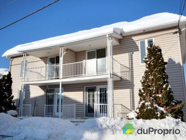 Front Balcony - 19 rue Monseigneur-Savard, Clermont for sale
