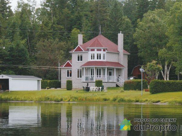 286, chemin du Lac-Portage Ouest, Ste-Paule à vendre