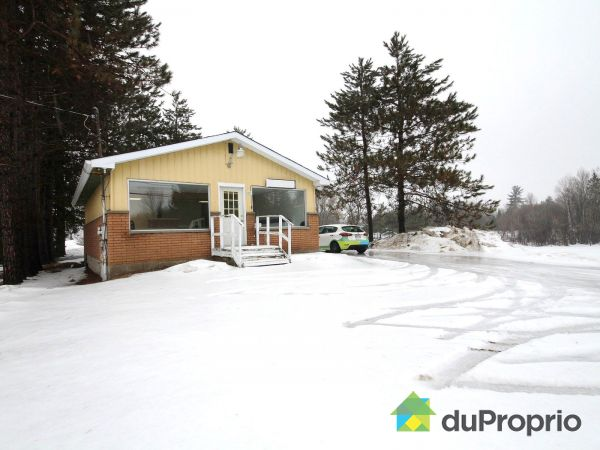 1337 route 148, Campbells Bay for sale