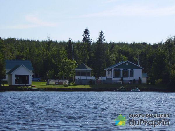 Summer Front - 312 chemin Lac du Portage Ouest, Ste-Paule for sale