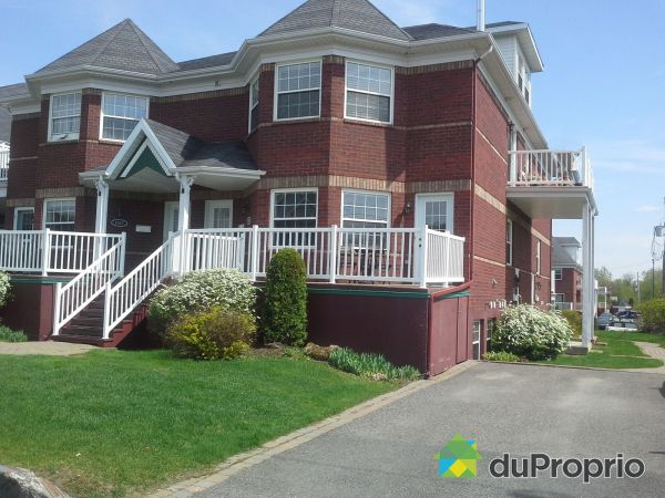 Summer Front - 1965 rue Joseph-Laurin, Ste-Foy for sale