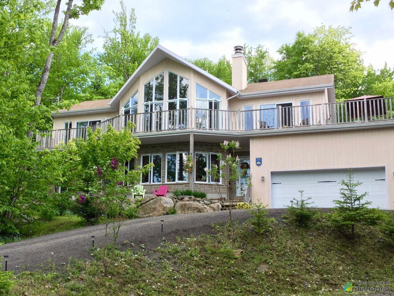 69 avenue du Rocher, Lac-Delage for sale