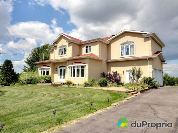 Summer Front - 256 chemin de l'Anse, Rigaud for sale