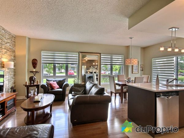 105-7765 boulevard Saint-Martin Ouest, Ste-Dorothée for sale