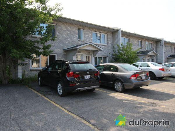 121-125, 5e Avenue, L'Ile-Perrot for sale