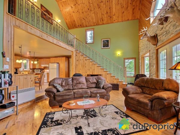 Living Room - 150 chemin des Courbes, Lac-St-Paul for sale