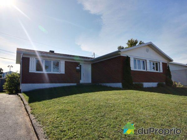 528, rue des Grandes-Prairies, St-Romuald à vendre