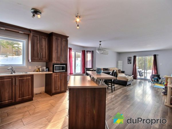 Kitchen - A-78 rue Adonis, Val-Des-Monts (Perkins) for sale