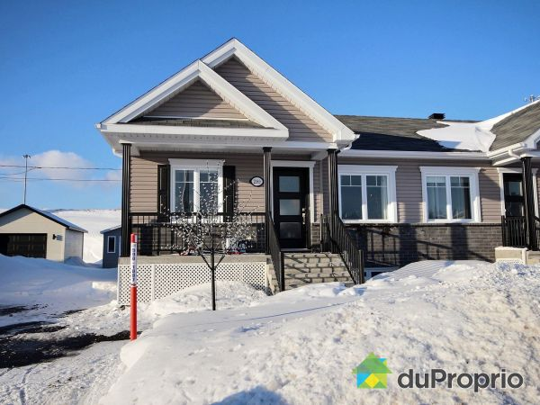 Winter Front - 2089 rue Gaston-L.-Tremblay, Chicoutimi (Chicoutimi) for sale
