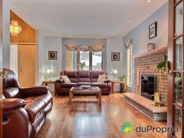 Living Room - 209 5e Boulevard, Terrasse-Vaudreuil for sale