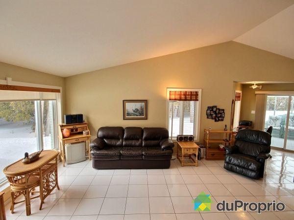 Living Room - 180 chemin du Lac du Portage Est, Ste-Paule for sale