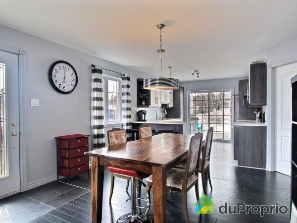 Dining Room - 1-9 rue Beausoleil, Pont-Rouge for sale